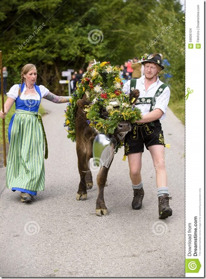 almabtrieb-viehscheid-bavaria-nesselwang-germany-september-traditionally-celebrated-return-herd-decorated-59606104