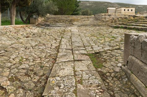 theatral_area_knossos_palace